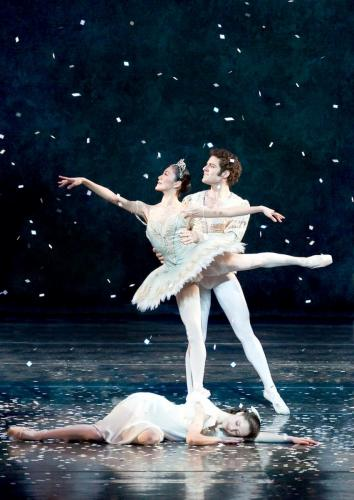 Nutcracker_Snow_vertical_edited-